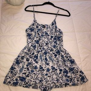 Divided H&M Blue And White Floral Romper